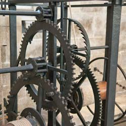 A crown wheel drives the foliot movement in the Salisburiy clock